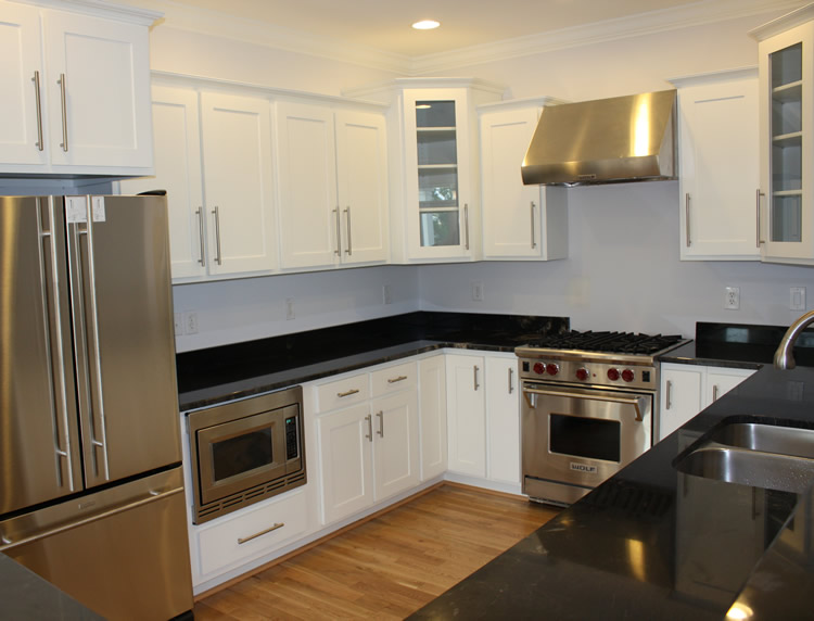White kitchen cabinets casual cottage for White kitchen cabinets